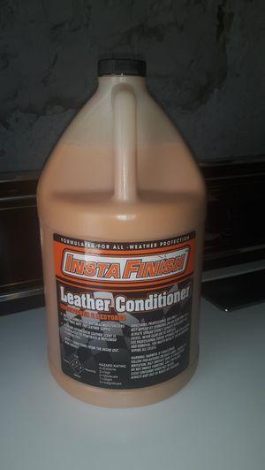 Galón de leather acondicionador for Sale in Long Beach, CA