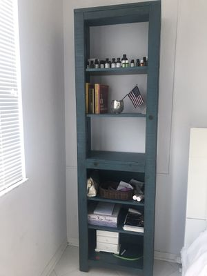 2 Rooms to go bookshelves for Sale in Miami Beach, FL