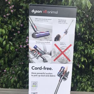 Dyson V8 Animal Cordless Stick Vacuum New $320 Nuevo for Sale in Los Angeles, CA