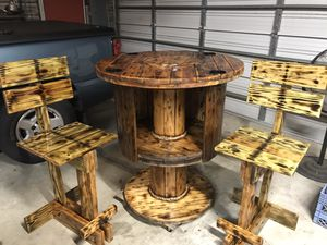 Bar table & stools for Sale in Cayce, SC