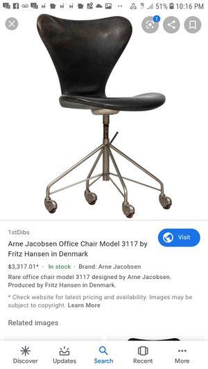 A rare Arne Jacobsen/ Fritz Hansen model 3117 chair for Sale in Seattle, WA