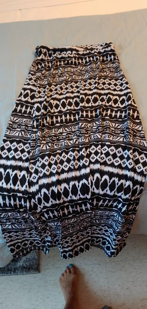 Black and white maxi skirt for Sale in Revere, MA