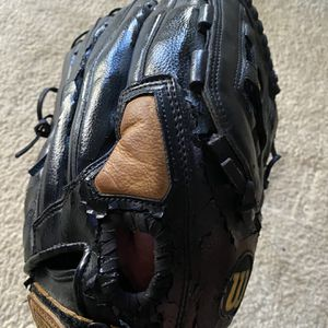 "14"" Wilson A2444 Softball Glove Reconditioned for Sale in Matthews, NC"