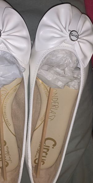 Size 8&A Half White Flats for Sale in Miami, FL