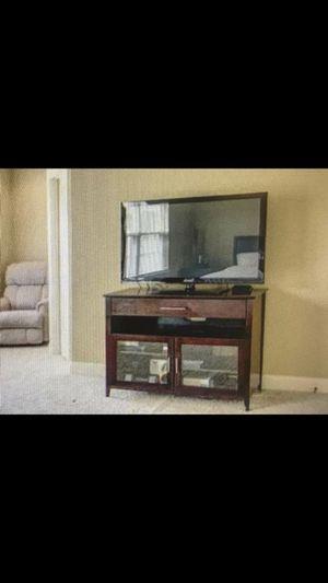 American Signature Furniture TV Stand for Sale in Murfreesboro, TN