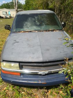 98 S10 Extra Cab 4.3 Liter V6 for Sale in Land O Lakes,  FL