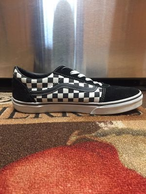 Black and White low top checkered Vans for Sale in High Point, NC
