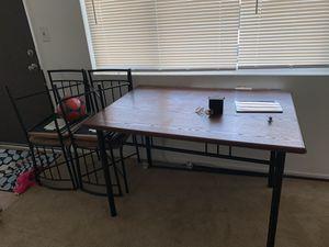 Comedor 4 sillas buen estado $30 dls for Sale in Chino, CA