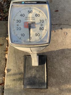 VINTAGE HEALTH O METER DOCTORS SCALE - 300 LBS for Sale in Lake Mary,  FL