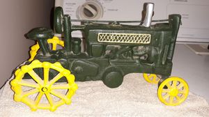 Nice sturdy tractor decor for Sale in Hanford, CA