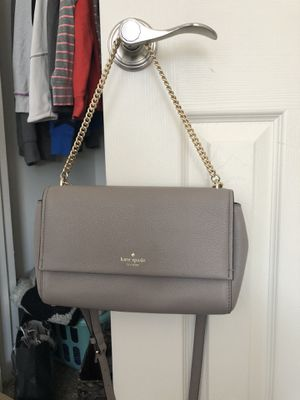 Authentic Kate Spade Gray small purse/clutch with silver chain for Sale in Gainesville, VA