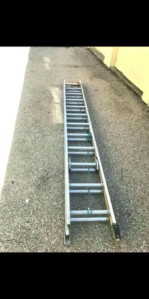 24 ft aluminum ext ladder for Sale in Seattle, WA