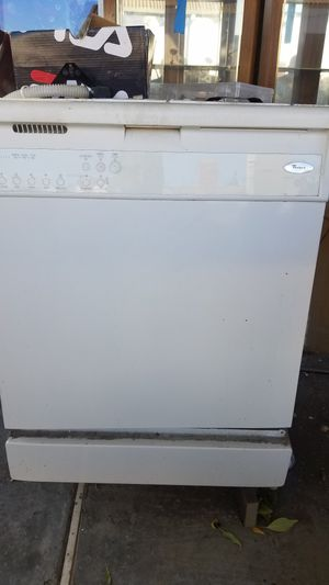 Whirlpool dishwasher for Sale in Moreno Valley, CA