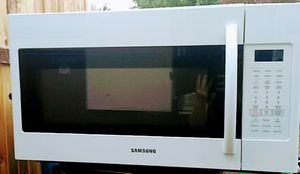 Samsung Over-the-Range Large 1.8 cu ft Microwave for Sale in Olympia, WA