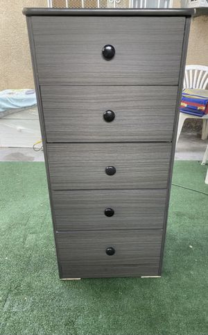 grey 5 drawer chest $100 for Sale in Fullerton, CA