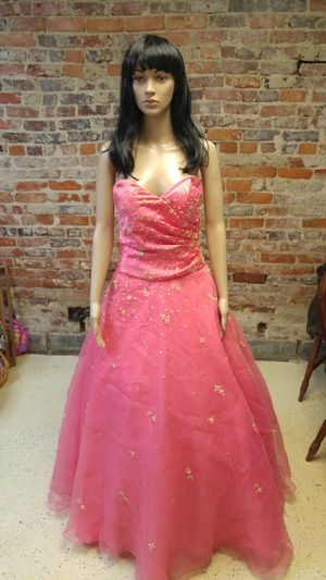 Homecoming - Prom. Dresses for Sale in McRae, GA