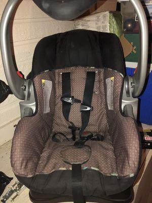 Infant car seat for Sale in Iowa, LA