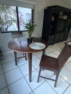 2 seat dining/bistro table for Sale in Hialeah, FL