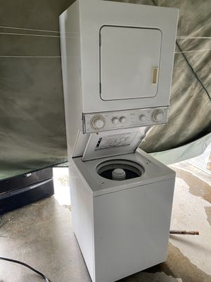 Whirlpool stackable washer/dryer for Sale in Honolulu, HI
