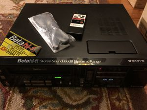 Vintage Sanyo VCR 7200B Video Cassette Recorder for Sale in GARDEN CITY P, NY