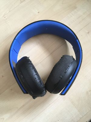 Sony PlayStation Gold Wireless Stereo Headset for Sale in Chula Vista, CA
