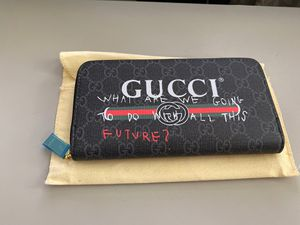 "Ladies Gucci Wallet - ""All This Future"" for Sale in Roseville, CA"