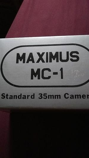 MAXIMUS MC-1. Standard 35mm camera for Sale in Naperville, IL