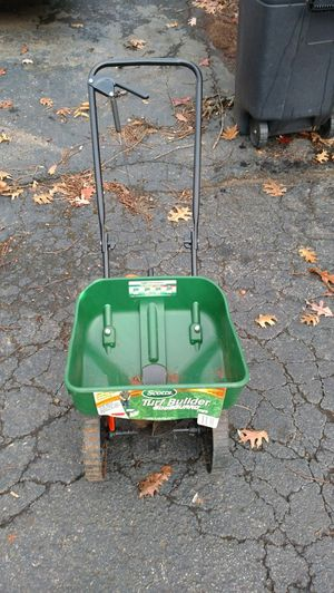 Brand new remove from shed Scotts Turf Builder fertilizer Edge guard Mini for Sale in Franklin, TN