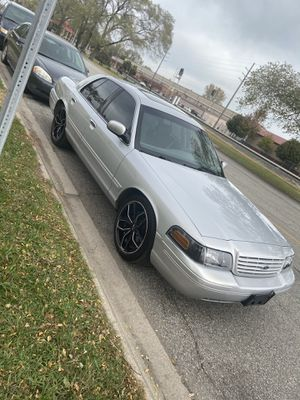 02 Crown Vic Lx sport for Sale in Merrillville, IN