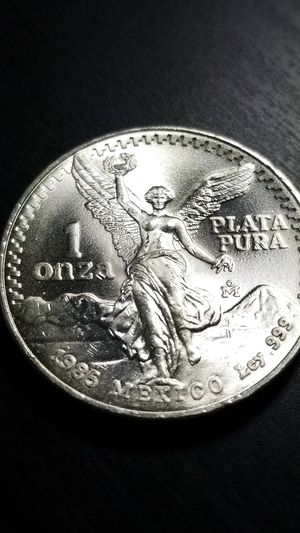 1985 Brillian Uncirculated Mexican LIBERTAD Coin for Sale in Savage, MN