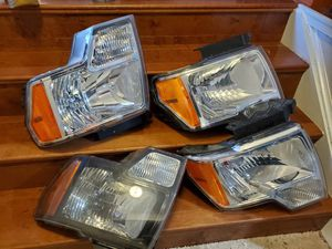 Head lights ford F150 (2009-2013) for Sale in Alexandria, VA