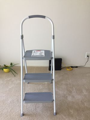 Rubbermaid 3 step steel stool, 225 pound capacity for Sale in Rockville, MD