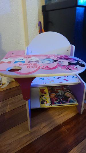 Kids desk for Sale in Lynwood, CA