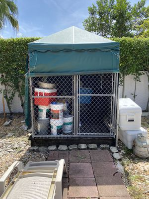 Dog kennel for Sale in Miami Gardens, FL