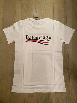 Balenciaga T-shirt for Sale in Boca Raton, FL