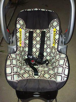 Child's car seat for Sale in Haysville, KS