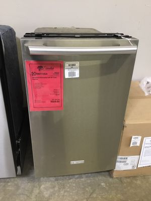 "New!! Electrolux Stainless Steel 18"" Wide Built In Dishwasher!! for Sale in Gilbert, AZ"