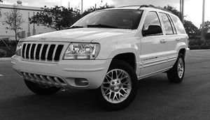 Automatic O4 Jeep SUV Grand Cherokee 4WDWheels for Sale in Lubbock, TX