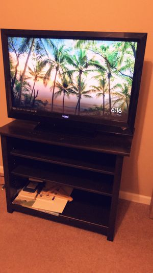 """TV of 37"""" for Sale in Rolla, MO"""