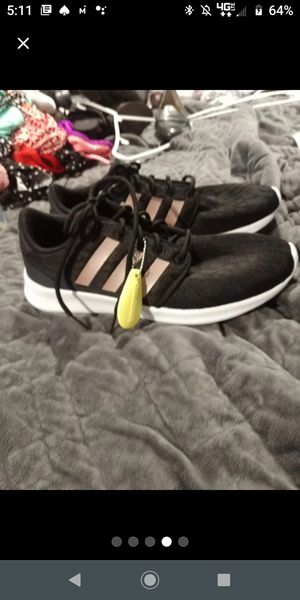 Adidas women's size 9 for Sale in Smyrna, TN