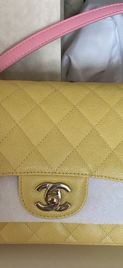 New Yellow Chanel Bag for Sale in Glendale,  CA