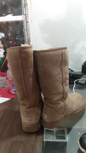 UGG WOMENS BOOTS!!! AND WINTER WOMEN'S WATER PROOF BOOTS!!! for Sale in Monson, MA