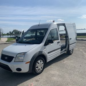 Ford Transit Connect XLT for Sale in Miami, FL