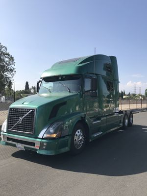2005 VOLVO VNL 780 for Sale in Los Angeles, CA