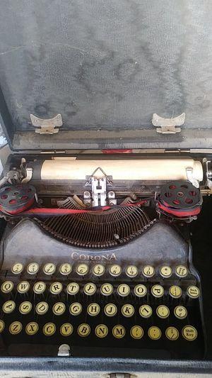 Corona type writter for Sale in Visalia, CA