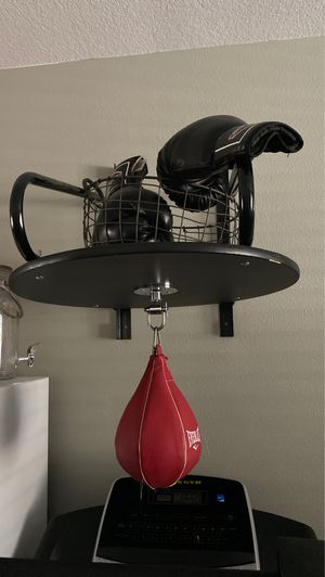 Everlast speed bad with professional speedbag & hindge for Sale in Moreno Valley, CA