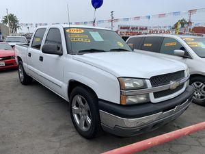 2005 Chevy Silverado EZ FINANCING for Sale in Bell Gardens, CA