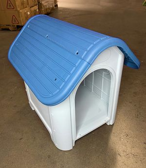 """(NEW) $45 Plastic Dog House Small/Medium Pet Indoor Outdoor All Weather Shelter Cage Kennel 30x23x26"""" for Sale in El Monte, CA"""