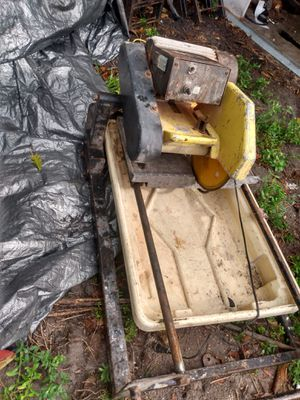 Wet tile cutter for Sale in North Miami Beach, FL