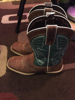 Durango women's boots ax 7 for Sale in Paragould, AR